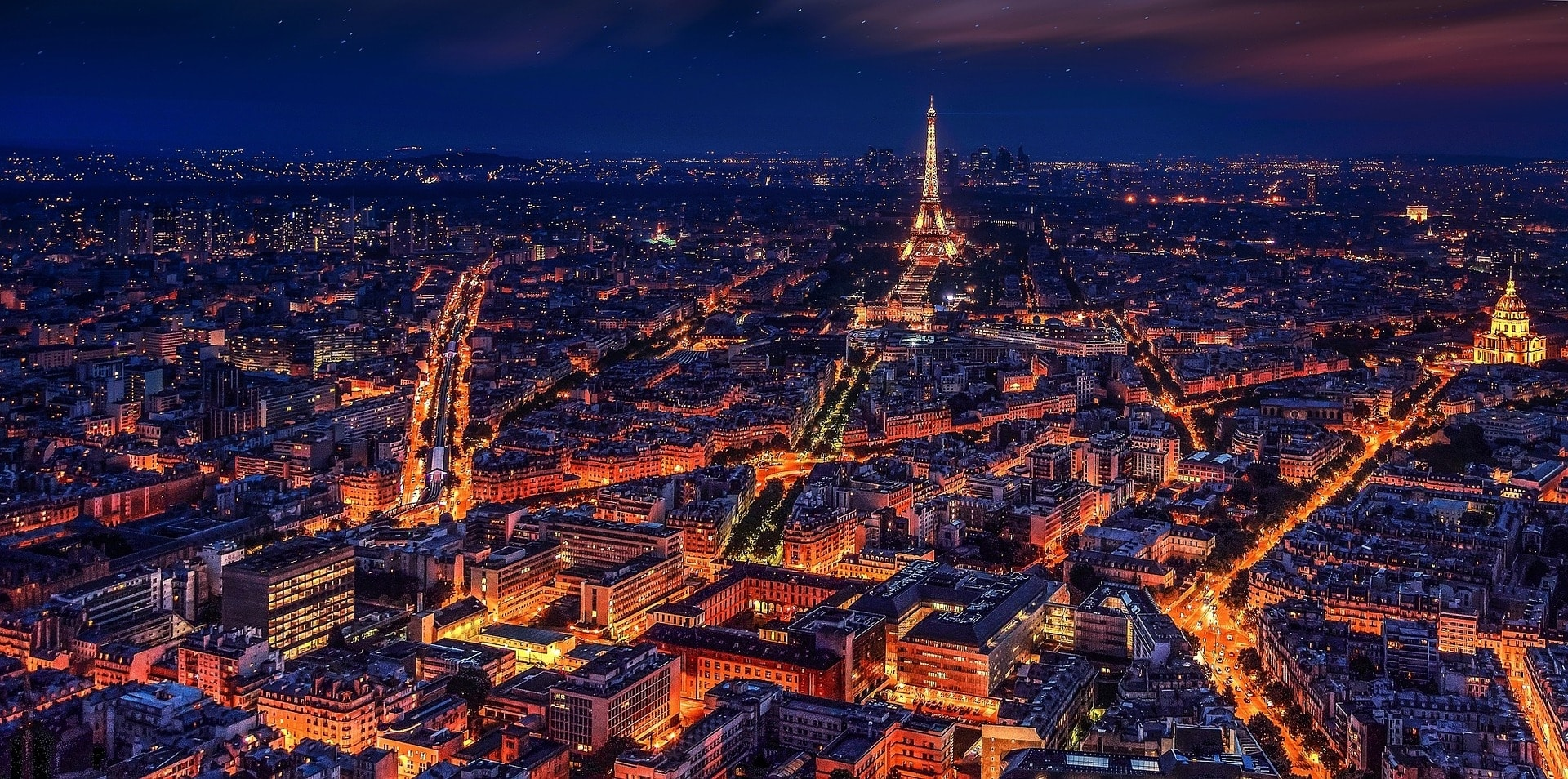 A beautiful night-shot of Paris. Picture from Pixabay.